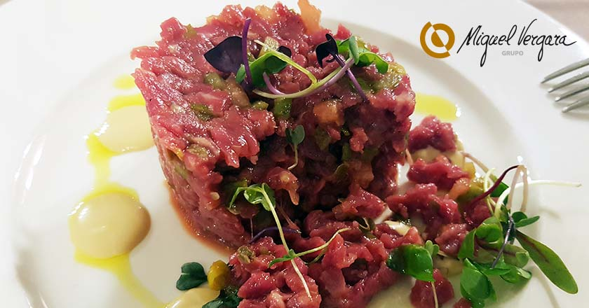 plato de steak tartar